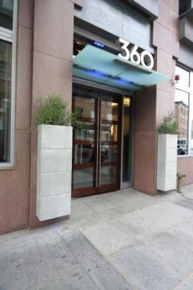 360 Newbury Street Photo #1