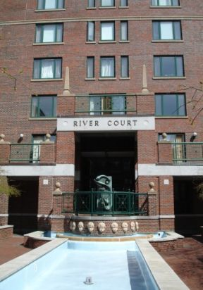 River Court Condominiums Photo #3