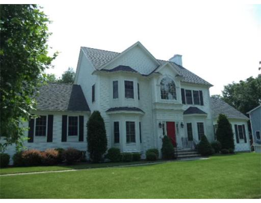 Photo: 11 Riverfront Dr, Amesbury, MA