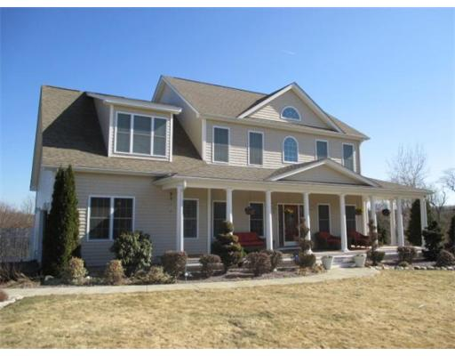 Photo: 3 Rolling Brook Ln, Blackstone, MA