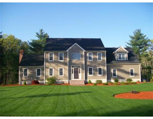 Photo: 13 Fellowship Cir, Wareham, MA