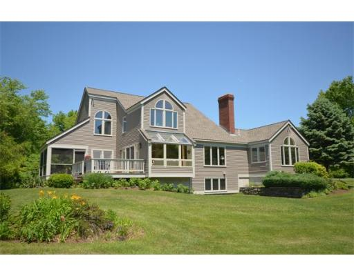 Photo: 4 Bancroft Street, Pepperell, MA