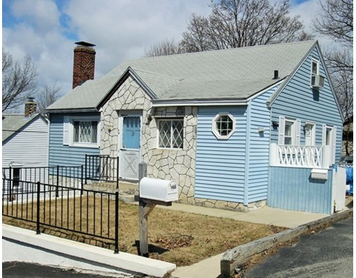 Photo: 54 Gifford Dr, Worcester, MA