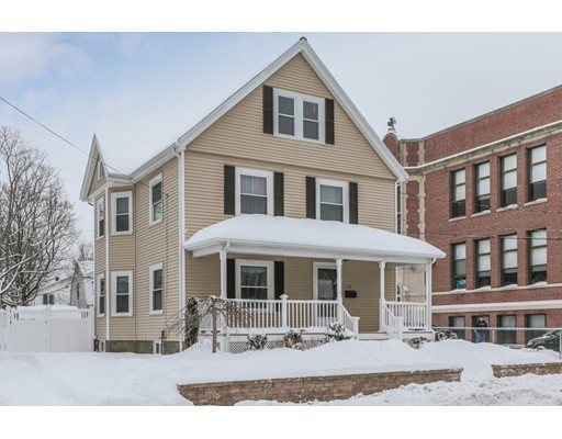 Photo of 21 Gould St, Wakefield, MA
