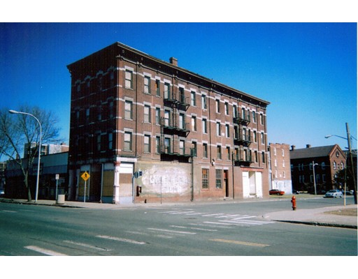 Photo: 398-400 Main St, Holyoke, MA