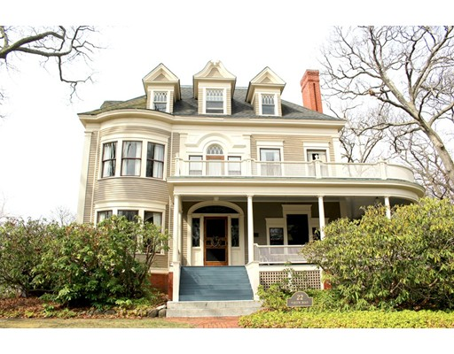 Photo of 22 Parker Rd, Wakefield, MA