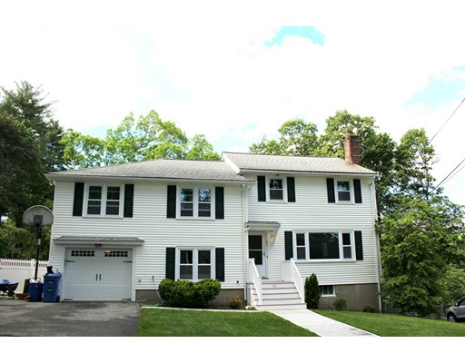 Photo of 61 Converse St, Wakefield, MA