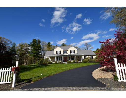 Photo: 3 Greenville Circle, Leicester, MA