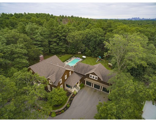 Photo of 10 Ledgewood Road, Winchester, MA