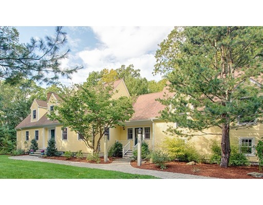 Photo: 162 Common Ln, Beverly, MA