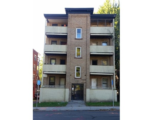 Photo: 474 Liberty St, Springfield, MA