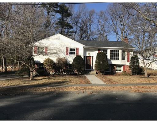 Photo of 18 Hampshire Rd, Peabody, MA