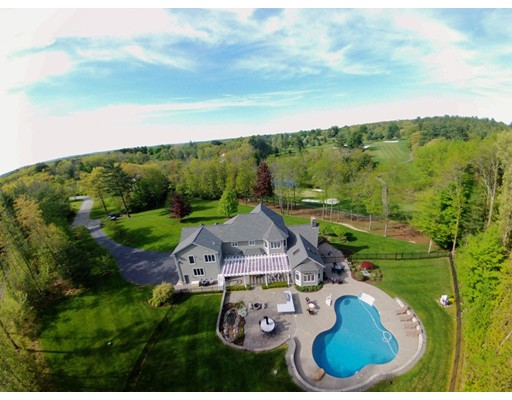 Photo: 4 Crescent Meadow Ln, Georgetown, MA