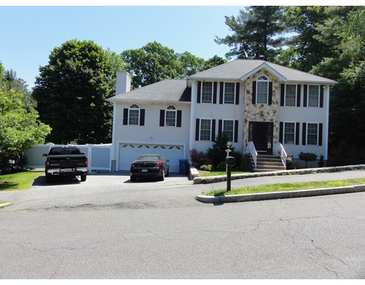 Photo of 4 Partridge Ln, Wakefield, MA