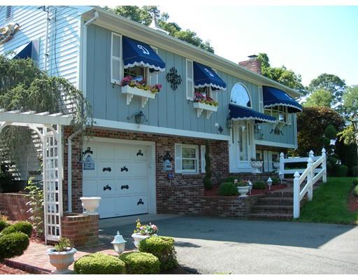Photo: 179 Slocum Road, Dartmouth, MA