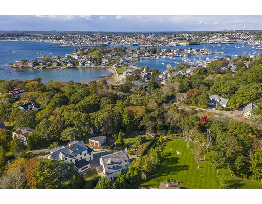 Photo of 10 Grapevine Rd, Gloucester, MA