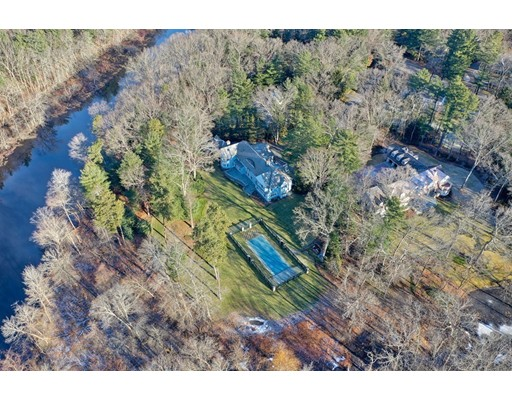 Photo of 15 Winding River Cir, Wellesley, MA