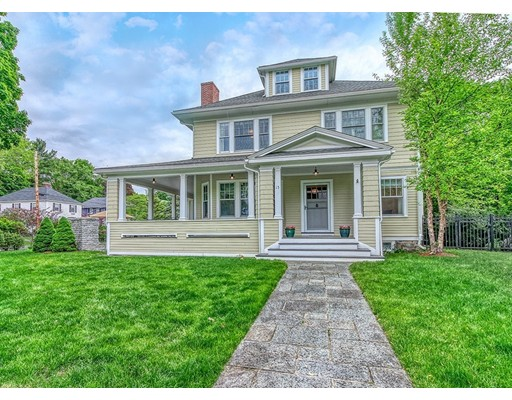 Photo of 15 Foxcroft Rd, Winchester, MA