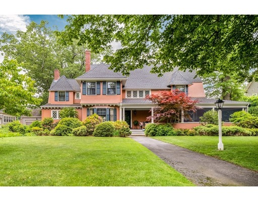 Photo of 16 Calumet Road, Winchester, MA