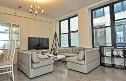 453 Washington Street #5C