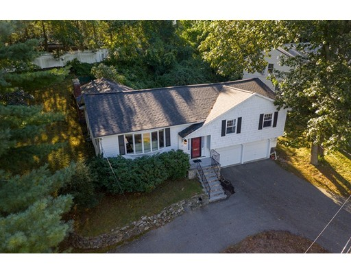 Photo of 110 Hutchinson Rd, Arlington, MA