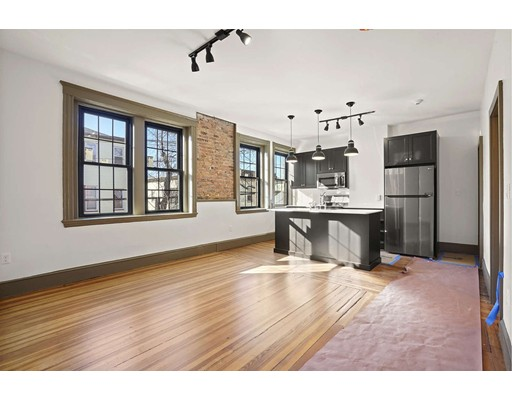 Photo of 55 Plymouth St #2, Cambridge, MA