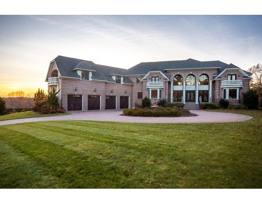 Photo: 3 Regency Ridge, Andover, MA