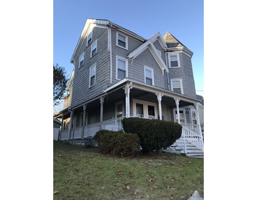 Photo of 293 Albion St, Wakefield, MA
