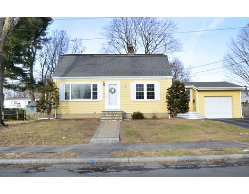 Photo of 35 Forrester Rd, Wakefield, MA