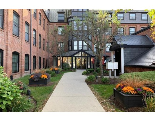 Photo of 21 Linden St #114, Quincy, MA