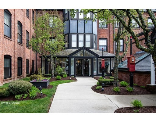 Photo of 21 Linden St #404, Quincy, MA