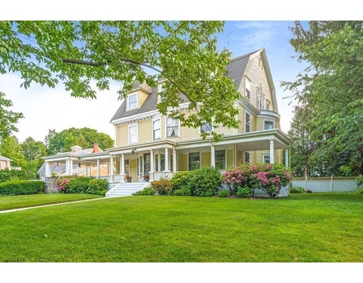 Photo of 19 Wedgemere Ave, Winchester, MA