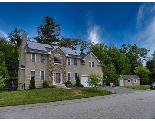 Photo: 2 Pond CT, Leicester, MA