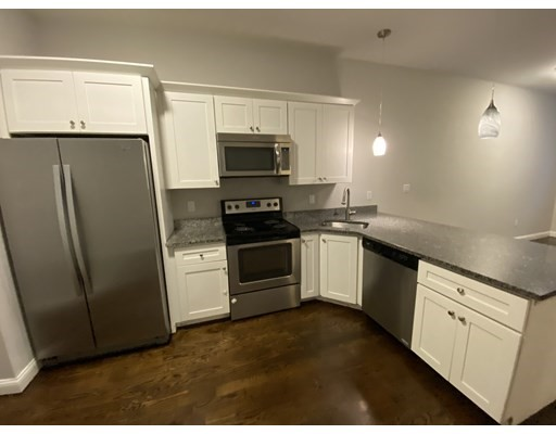 Photo of 10 Merrymount Rd #102, Quincy, MA