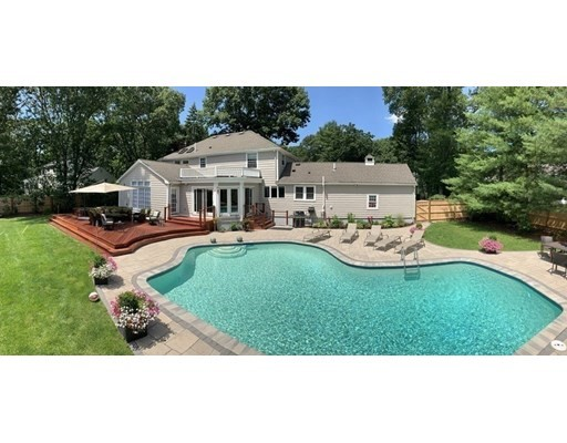 Photo of 75 Thornberry Rd, Winchester, MA