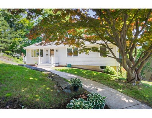 Photo of 11 Twin Circle Dr, Arlington, MA