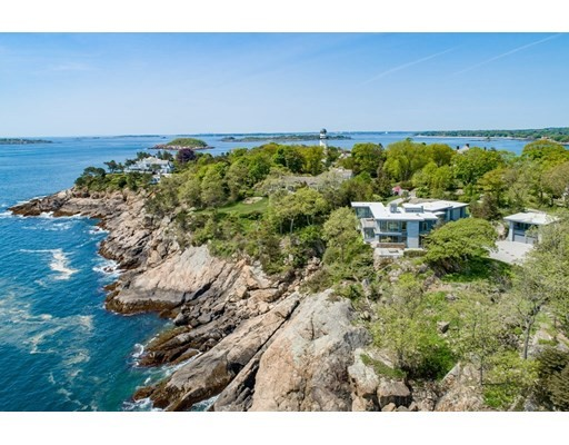 Photo of 27 Smiths Point Rd, Manchester, MA