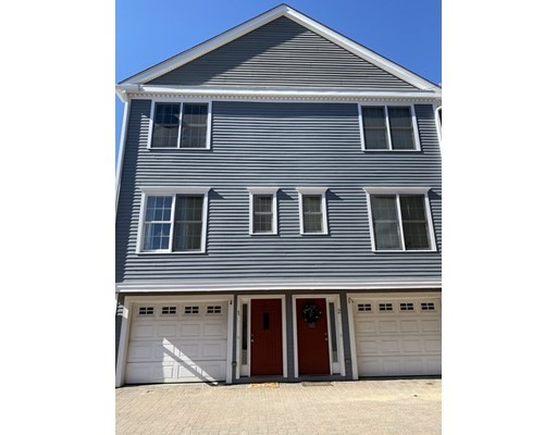 Photo of 894 Main St, Wakefield, MA