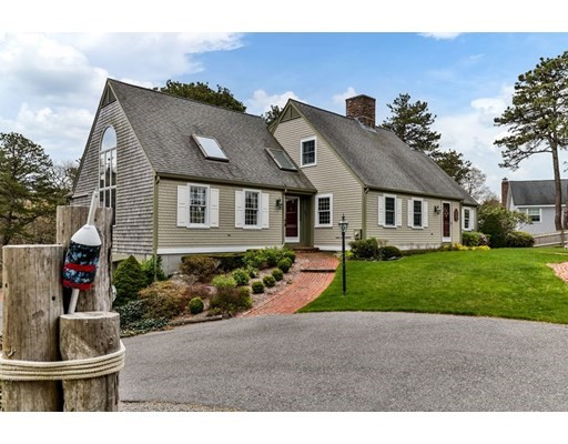 Photo of 97 Canoe Pond Dr, Brewster, MA