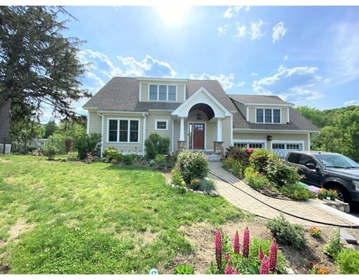 Photo: 78 Great Pond Rd, North Andover, MA