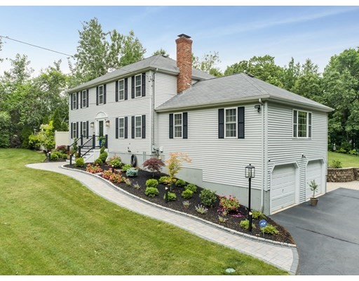 Photo: 380 Central St, Milford, MA