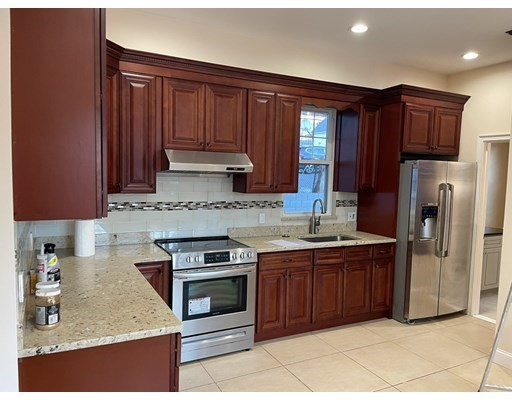 Photo of 407 Newport Ave #1, Quincy, MA